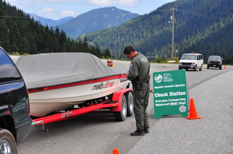Aquatic invasive species check station