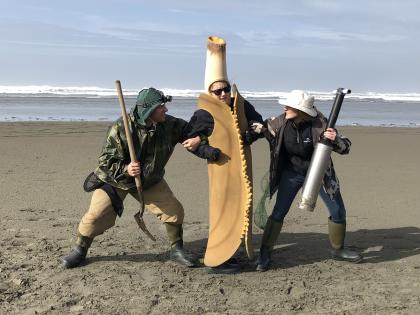 #Teamshovel or #TeamClamGun -- battling it out over a razor clam (razor clam mascot)